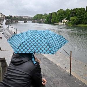 Meteo, pioggia e neve. Da martedì 25 gradi a Milano, Bologna, Torino. Venerdì nuovo peggioramento