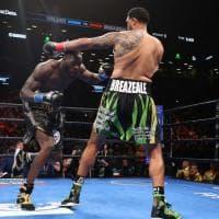 Boxe, mondiale massimi Wbc: Wilder si conferma campione. La sequenza del terrificante ko inflitto a Breazeale