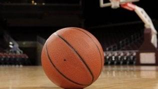 Urlano 'negro di m...' a 13enne durante partita di basket a Milano