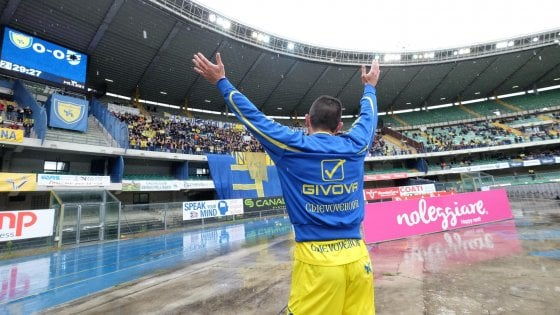 Chievo-Sampdoria 0-0, i gialloblu resistono in 10 nel giorno dell'addio di Pellissier