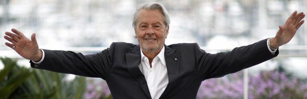 Speciale Cannes Alain Delon e la vita di un 'mostro sacro': a lui la Palma d'onore ma senza polemiche