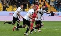 Il Parma vince e si salva La Fiorentina ora trema