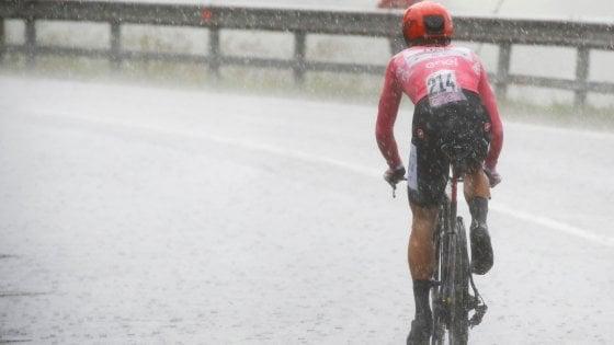 Giro d'Italia, Roglic vola a cronometro. Nibali c'è, Conti conserva la maglia rosa