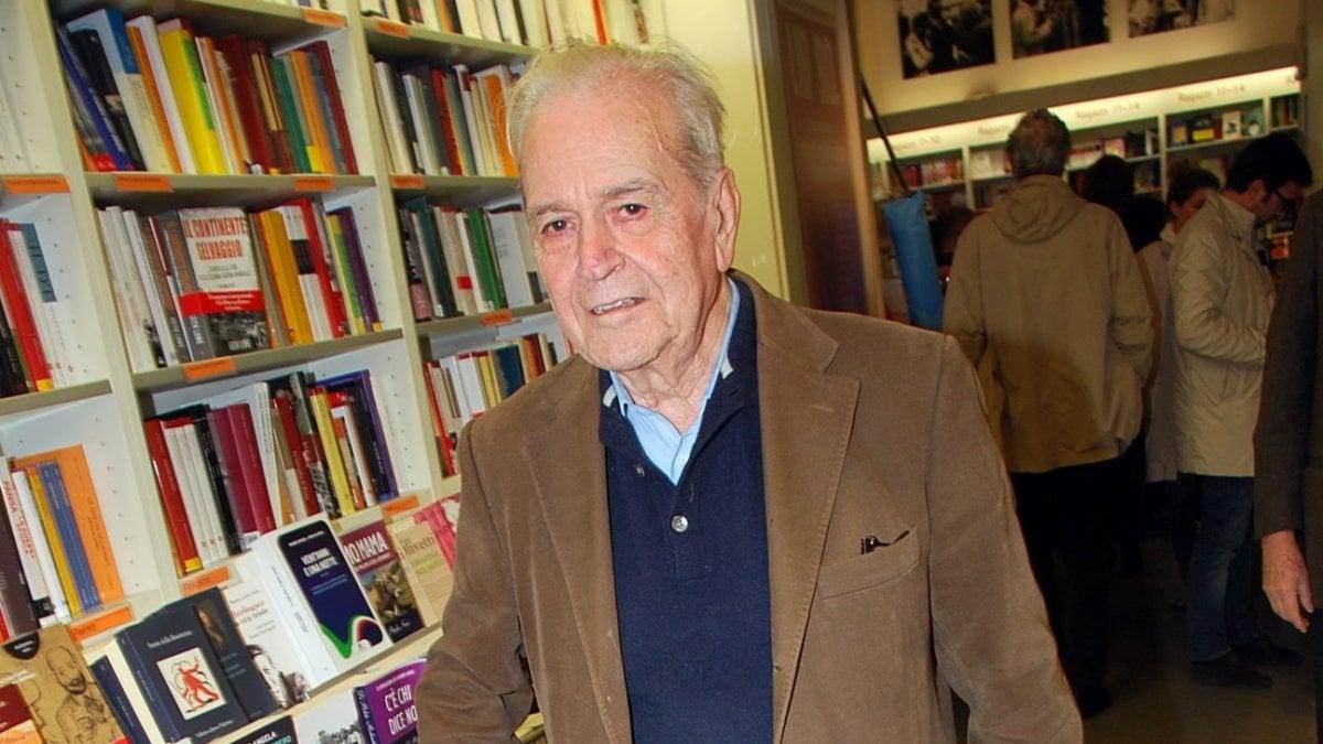 Morto Nanni Balestrini: poeta e scrittore, precursore del Gruppo 63