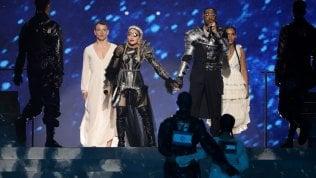 Madonna ritocca il video dell'esibizione all'Eurovision, ma le stonature risuonano in Rete video