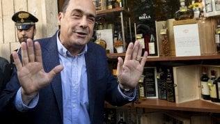 """Zingaretti riapre la sezione a Casal Bruciato dopo le proteste anti-rom: """"Torniamo in periferia per restarci"""""""