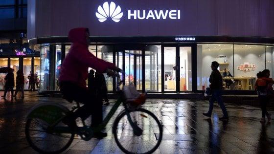 Huawei, la Casa Bianca fa un passo indietro: restrizioni sos