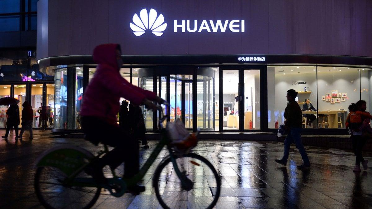 Huawei, la Casa Bianca fa un passo indietro: sospese le restrizioni fino ad agosto