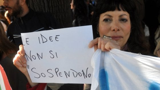 """Prof sospesa, l'appello degli umanisti a Mattarella: """"Provvedimento intimidatorio, sia ritirato"""""""