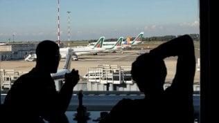 Alitalia, più di trecento voli cancellati per sciopero