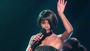 Torna Whitney Houston, ma è il suo ologramma: lo hanno voluto gli eredi