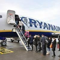 Così il passeggero è salito sull'aereo sbagliato: Frecce tricolori, buchi nei controlli e...