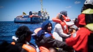 """Caso Sea Watch, il comandante ai pm: """"Rifarei tutto, abbiamo salvato vite umane"""""""