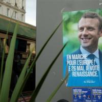 """Francia, due grandi giornali regionali rifiutano l'intervista con Macron: """"No alle..."""