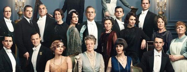 'Downton Abbey', il film, ma dal trailer italiano sparisce il bacio gay · video