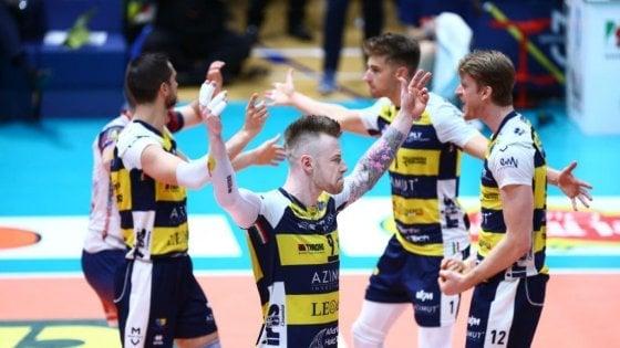 Volley, dietrofront Zaytsev: niente Civitanova, resta a Modena