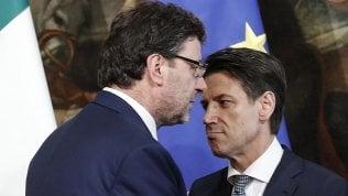 Rep: Giorgetti minaccia le dimissioni e per Salvini la crisi si evita solo col ribaltone a Palazzo Chigi