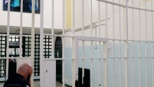 Amazon sbarca in carcere: aprirà un polo alle Vallette e a Rebibbia
