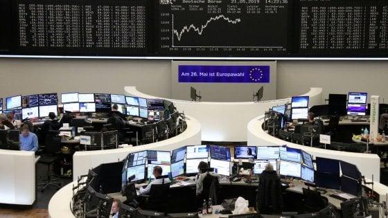 Borse in rosso per le tensioni Usa-Cina: Milano -2%. Affonda il petrolio