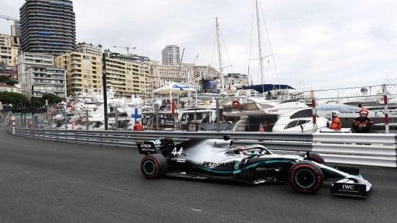 F1, Gp Monaco: Hamilton domina le libere, le Ferrari inseguono