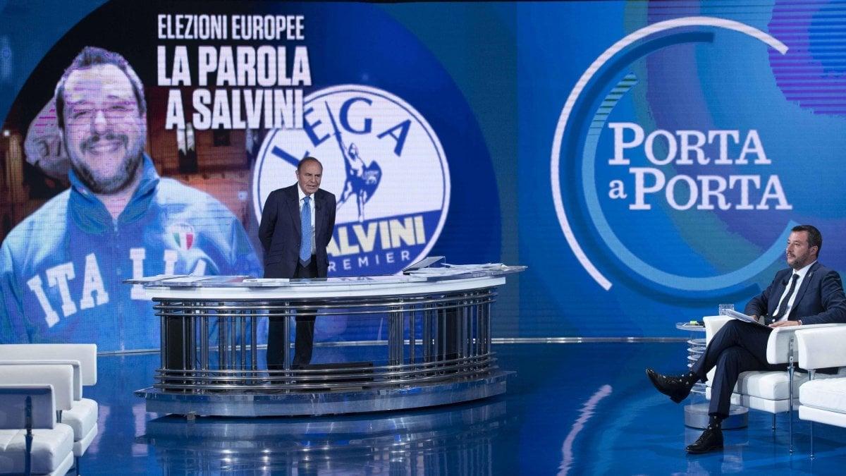 "Europee, finale di campagna: Salvini ""invade"" i talk, tre volte più presente di Di Maio. Berlusconi in recupero"