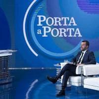 "Europee, finale di campagna: Salvini ""invade"" i talk, tre volte più presente di Di Maio...."