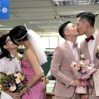 Taiwan celebra le prime nozze gay dell'Asia