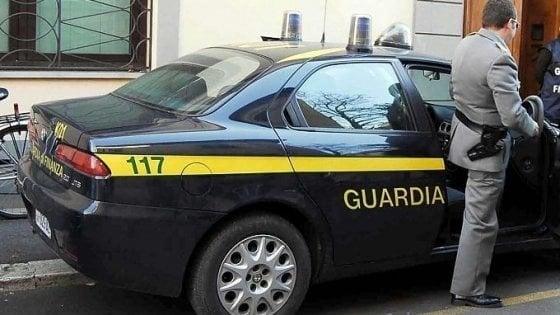 Gioia Tauro, sequestrato un milione in contanti durante un controllo
