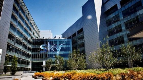 Sky Calcio, violati i diritti degli utenti: multa da 2,4 milioni per i pacchetti delle partite