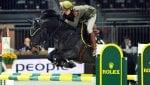 Land Rover sale a cavallo: show a Piazza di Siena