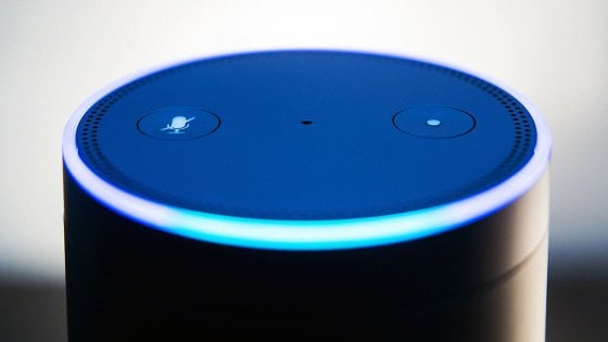 Privacy, brevetto Amazon per far ascoltare gli Echo senza dire la parola Alexa