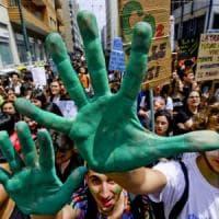 """Clima, il nuovo grido di Fridays for future: """"Si dichiari emergenza"""""""