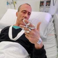 """Il nostro giornalista in ospedale: """"Dal governo soltanto silenzio"""""""