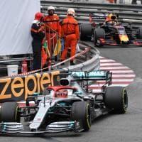 F1, Hamilton trionfa a Montecarlo e dedica la vittoria a Niki Lauda