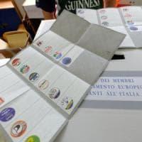 Elezioni europee, affluenza in aumento: in Italia alle 19 è del 43,8%. Proiezioni: Ppe...