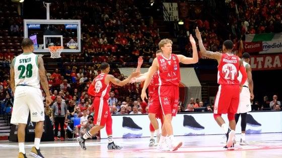 Basket, playoff: Milano non sbaglia, batte Avellino e vola in semifinale