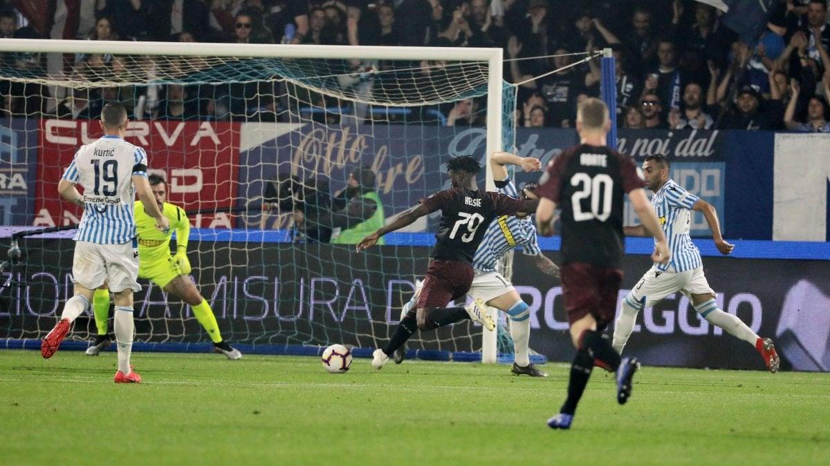 Spal-Milan 2-3, Kessié trascina i rossoneri: ma per la Champions non basta
