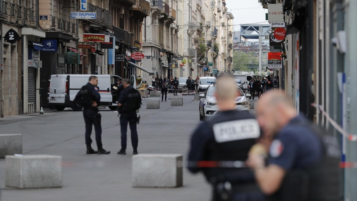 Francia, fermato un sospetto per il pacco bomba di Lione