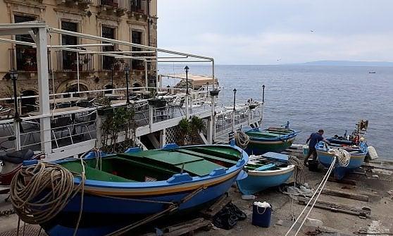Calabria.  In vista dello Stretto, inseguendo la Fata Morgana