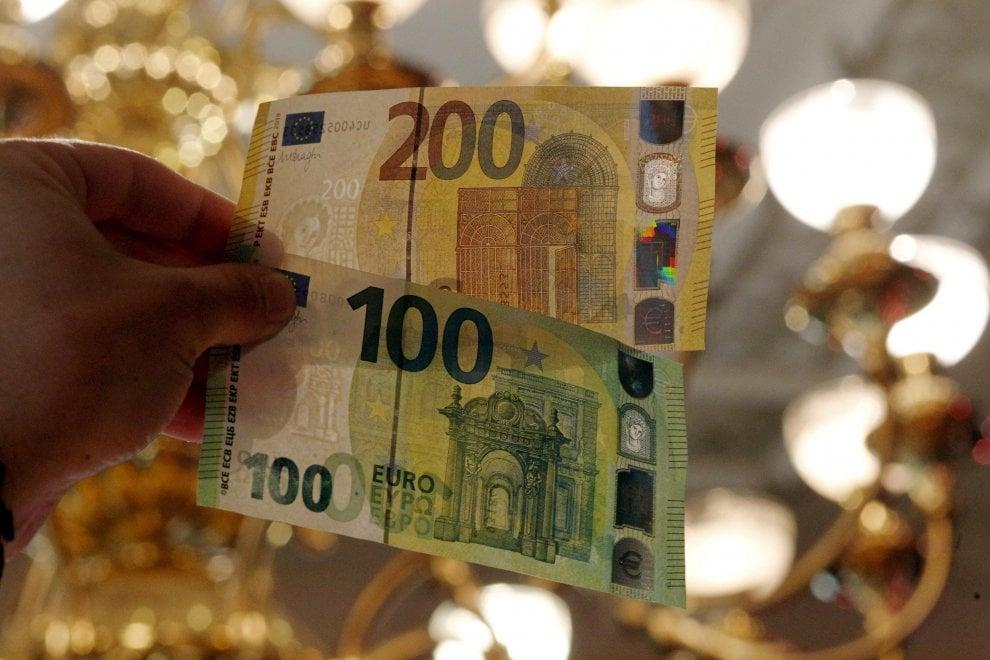 e3a82eebfe Ecco le nuove banconote da 100 e 200 euro - Repubblica.it