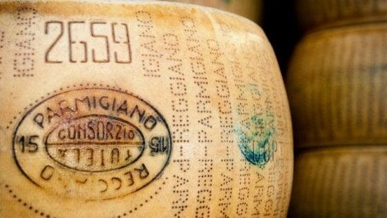 """Il Parmigiano Reggiano e i dazi Usa: """"Non ci toccano, ma ci spaventano"""