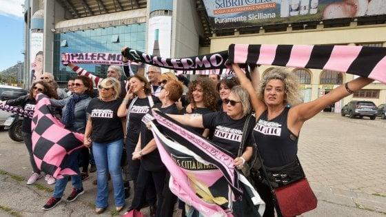 Il Palermo evita la C: penalizzato di 20 punti. Si fa il play out: Venezia-Salernitana, giù il Foggia