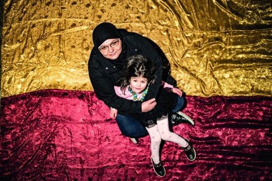 """I migranti diventati un'icona: """"Su quel barcone eravamo noi""""."""