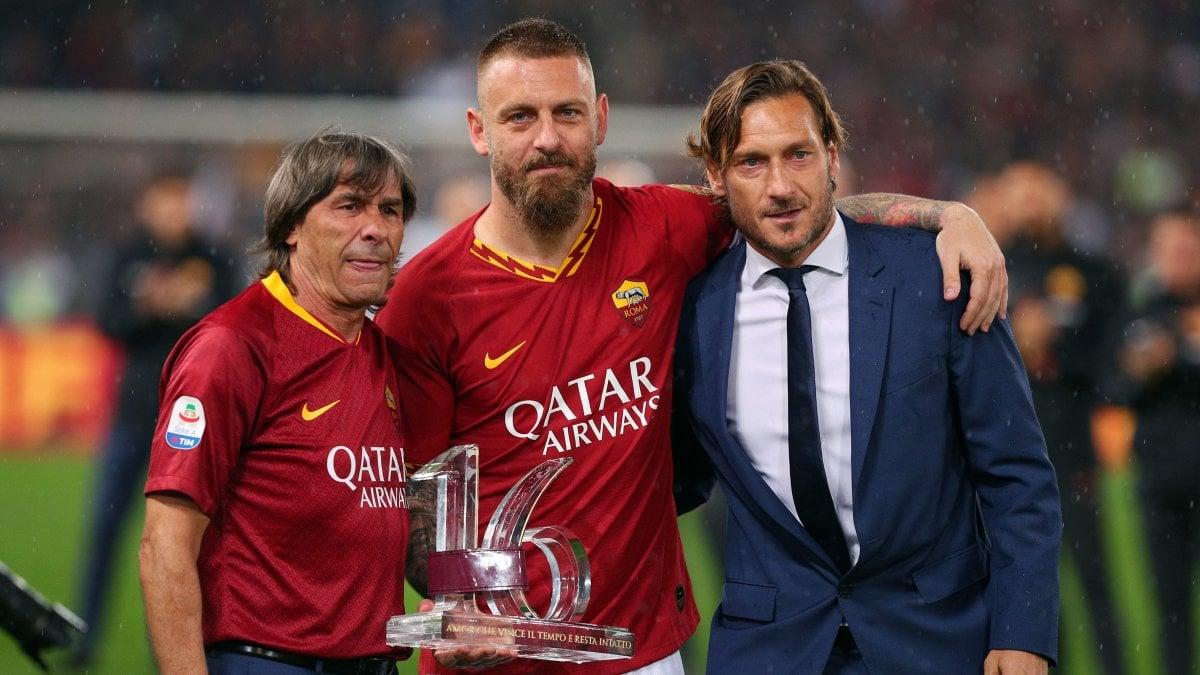 Così De Rossi e altri 3 senatori volevano Totti via dalla Roma