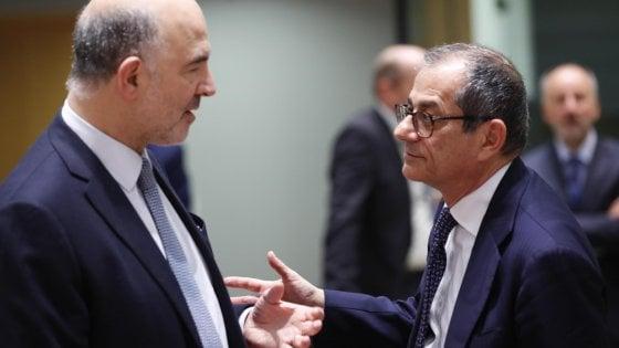 Il ministro Tria con il commissario Moscovici (a sinistra)