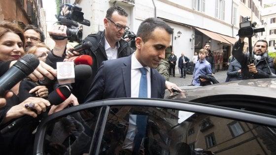 Gli iscritti del M5s confermano Di Maio capo politico con l'80% dei voti su Rousseau. Ma Fico non vota