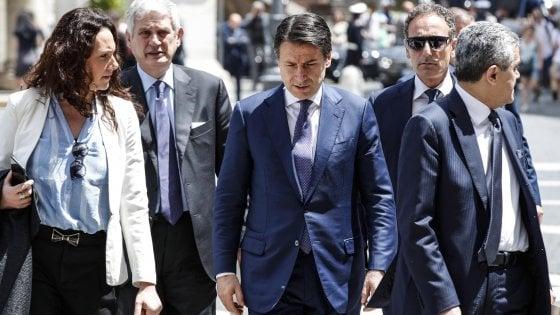 """Flat tax, Salvini in pressing: """"Subito la riforma"""". M5S: """"Ok, farla in deficit"""". Conte: """"Progetto non ancora a Palazzo Chigi"""""""
