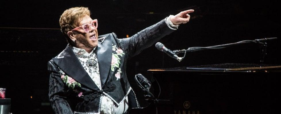 """Elton John, dal palco di Verona il discorso anti Brexit: """"Mi vergogno di quello che ha fatto il mio Paese"""""""