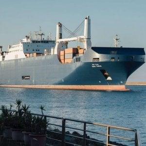 Cagliari, carico segreto sulla nave delle armi, la protesta dei sindacati