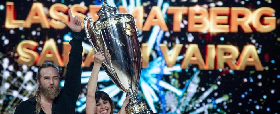 """Il """"vichingo"""" Lasse Matberg vince 'Ballando con le stelle'. Ottimi ascolti per la finale"""